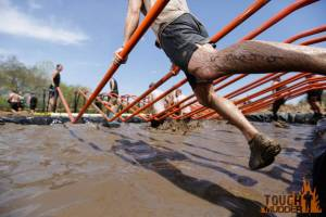 tough-mudder_pole-dancer_angled-parallel-bars_dips_pushing-off